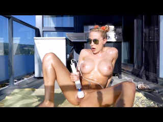 Blonde dildo webcams solo