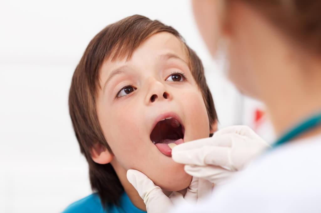 Почему болит постоянно горло? Причины, способы