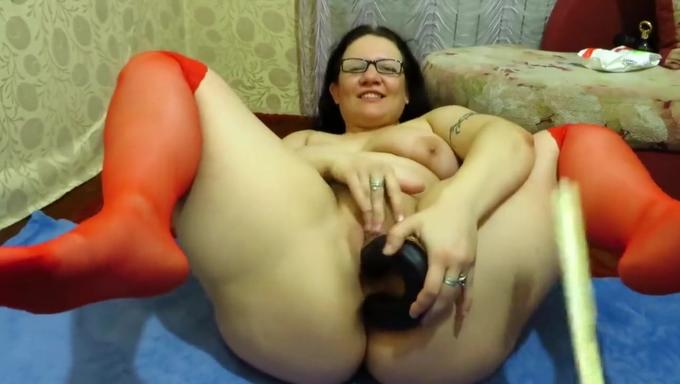 Mature woman adult site with chat