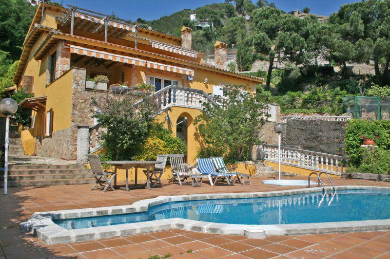 Недвижимость на Коста Брава в Испании для