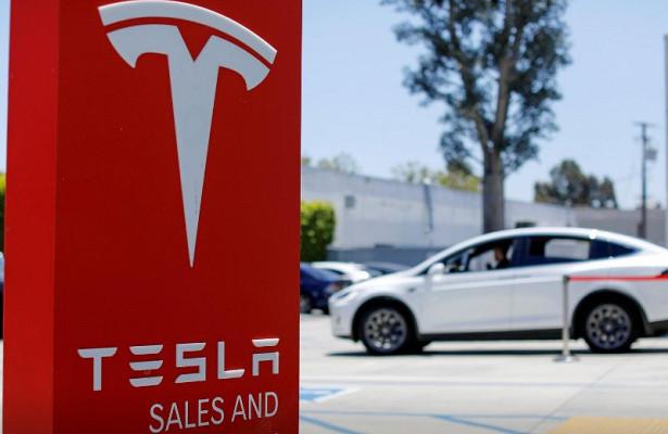Tesla обвинила экс-сотрудника впохищении конфиденциальных данных