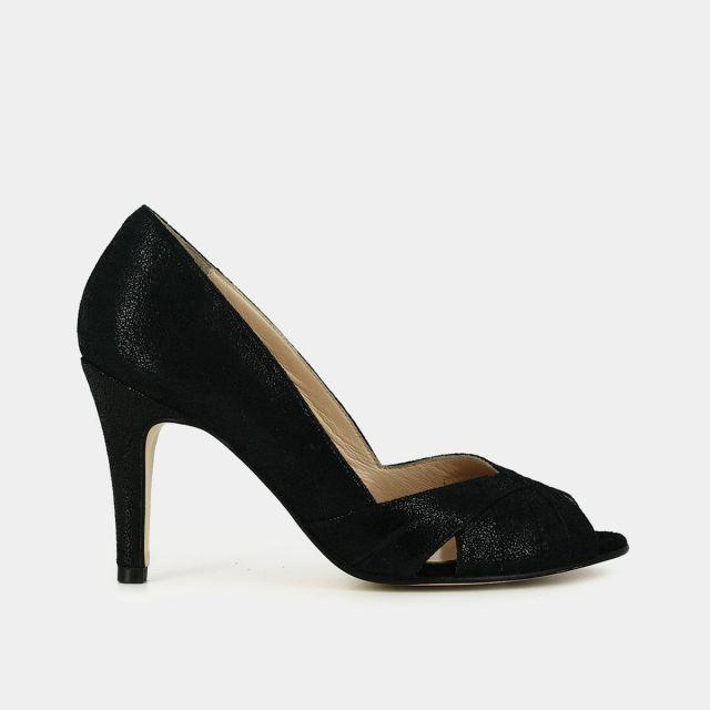 Женские туфли на застежке