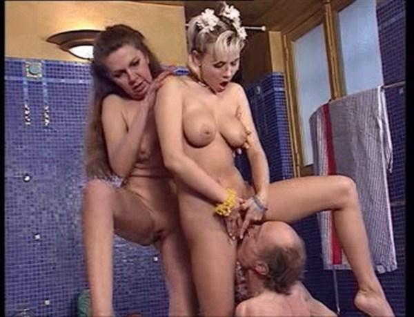 Brunette big tits sitting down pics
