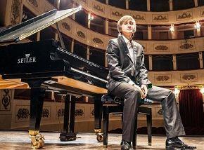 Дмитрий Маслеев (фортепиано)